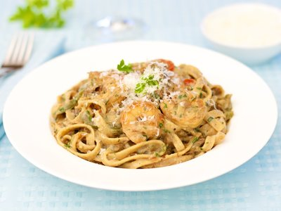 Fettuccine with Shrimp And Cream Sauce