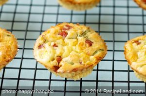 Impossible Bisquick Quiche Tarts