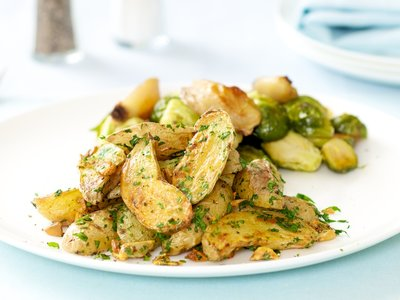 Garlic and Parsley Roasted Potatoes