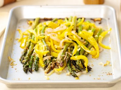 Roasted Asparagus with Sweet Pepper and Shallots