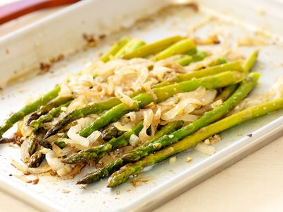 Roasted Asparagus with Sweet Onion
