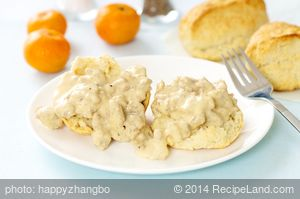 American Biscuits with Sausage and Gravy