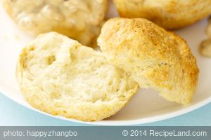 Grandma's Easy Buttermilk Biscuits