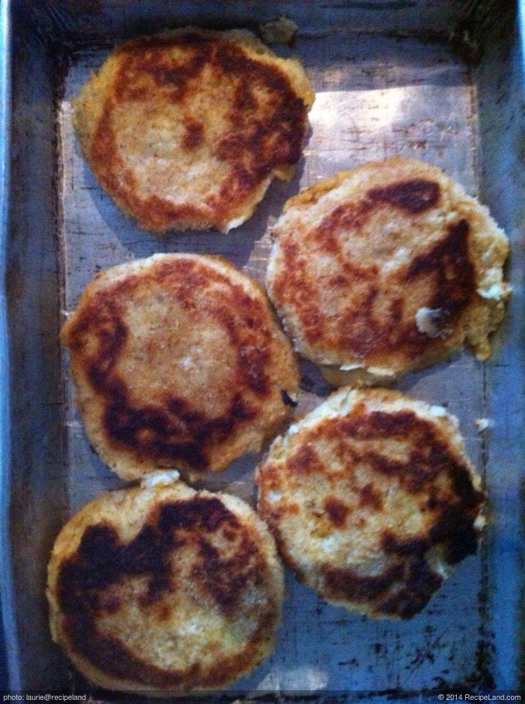 Cheesy Salmon Potato Cakes