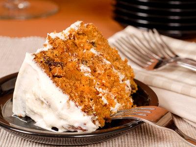 14-Carat Cake with Vanilla Cream Cheese Frosting