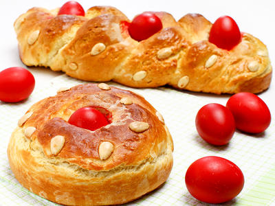 Greek Tsoureki (Easter Bread)