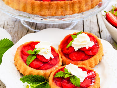 Fresh Strawberry and Citrus Mascarpone Tart with Port Glaze