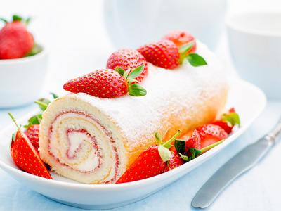 Lemon Strawberry Cake Roll