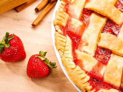 Fresh Strawberry-Rhubarb Pie