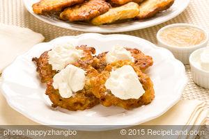 Lacy Potato Pancakes (Latkes)