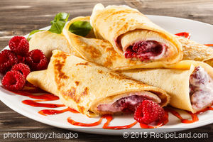 Crepes with Fresh Berry Sauce