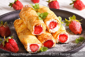 Strawberry-Cream Crepes