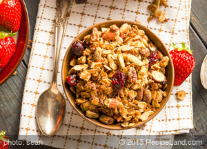 Apple-Berry Granola