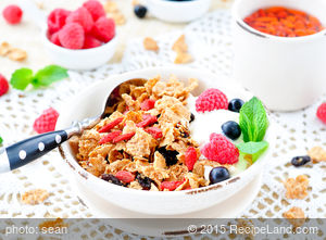 Granola with Fresh Fruit