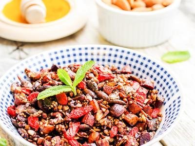 Gluten-Free Granola (Breakfast)