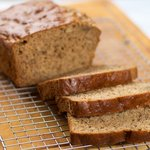 Easy and Moist Banana Bread