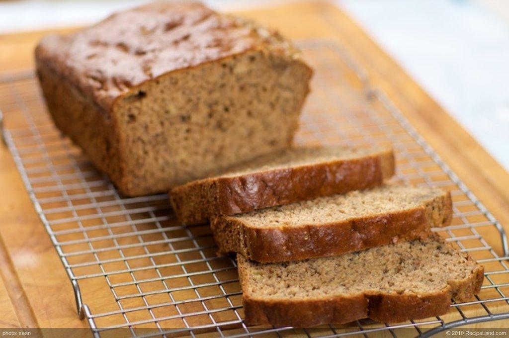 Easy and Moist Banana Bread