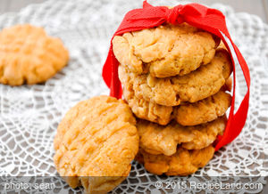 4 Ingredient PB Cookies