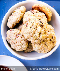 Oatmeal Cookies with Raisins and Walnuts