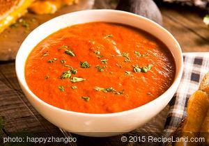 Refreshing Tomato and Basil Soup