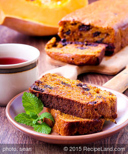 Pumpkin Bread with Cinnamon and Chocolate Chips