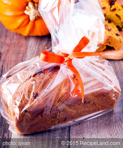 Thanksgiving Pumpkin Pecan Bread
