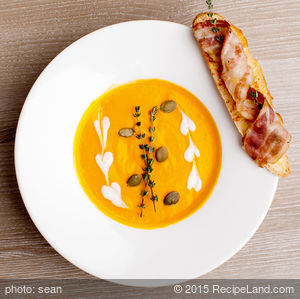 Roasted Spiced Pumpkin Maple Soup