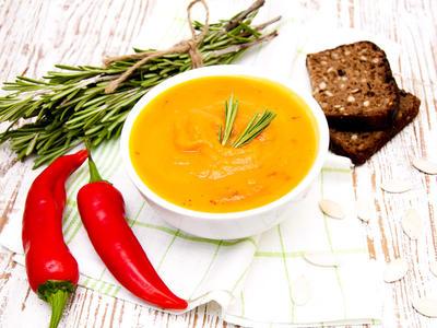 Creamy Hot Acorn Squash Soup