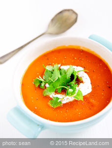 Sweet Potato and Tomato Soup (Vegan)