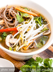 Hot and Sour Mushroom Soba Soup