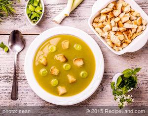 Leek Potato Soup with Nutmeg