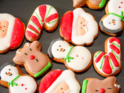 Rich Moravian White Christmas Cookies