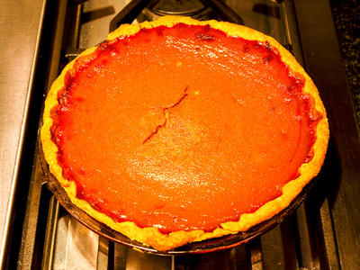 Robb's Low-Cholesterol Pumpkin Pie with Oil Pastry