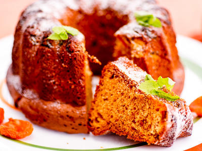 Super Moist Apple Bundt Cake