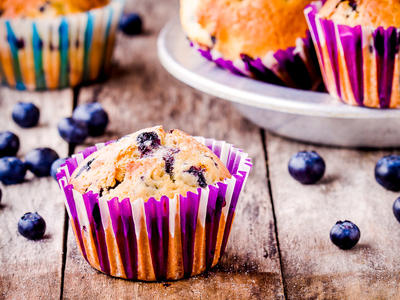 Blueberry Muffins with Nutmeg Topping