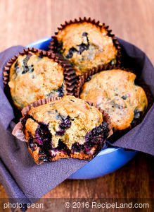 Best Blueberry and Maple Syrup Muffins