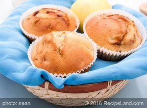 Moist Pillowy Applesauce Muffins