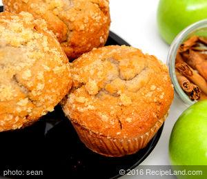 Wenatchee Applesauce Muffins