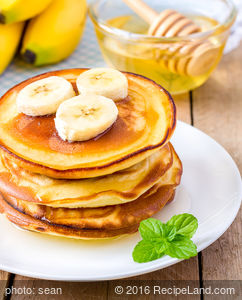 Breakfast Yogurt Pancakes