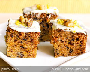 Moist Apple Carrot Cake