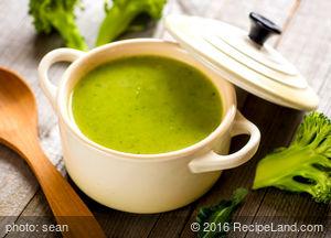 Brunch Broccoli Apple Soup