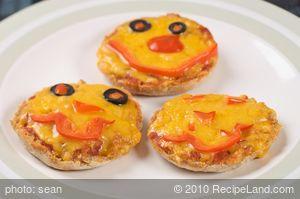 Jack-O-Lantern Halloween Pizzas