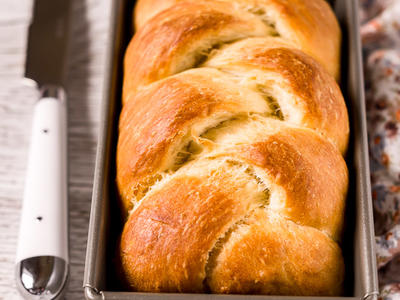 Massa Sovada (Portuguese Sweet Bread)