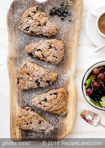 Apple and Black Currant Scones