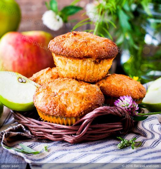 Quick Applesauce Muffins Recipe