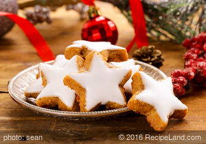 Swedish Pepparkaka Cookies (A Spice Cookie)