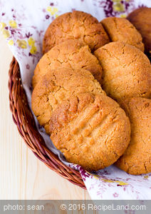 Whole Wheat Peanut Butter Cookies