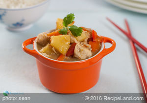 Crockpot Chicken Stew with Pepper and Pineapple