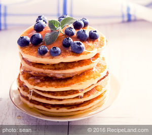 Delicious Berry Breakfast Pancakes