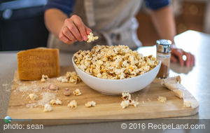 Garlic and Parmesan Popcorn